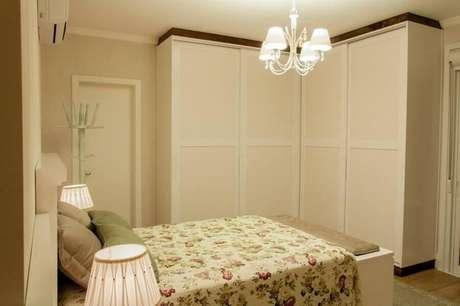 42. Modelo simples de lustres para quarto