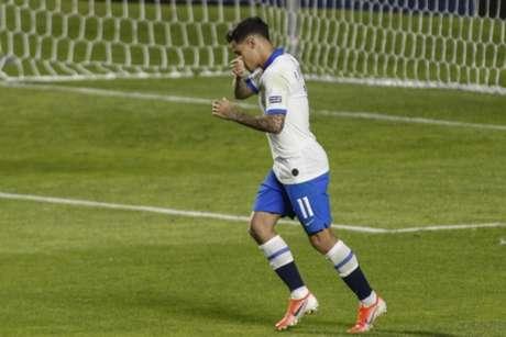 Coutinho fez dois gols na vitória do Brasil sobre a Bolívia, sexta-feira (Foto: Miguel SCHINCARIOL / AFP)