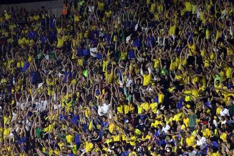 Torcida aguarda o início da partida entre as seleções de Brasil e Bolívia, válida pela 1ª rodada do grupo A da Copa América 2019, no Estádio Cícero Pompeu de Toledo (Morumbi), na zona sul de São Paulo, na noite desta sexta-feira, 14.