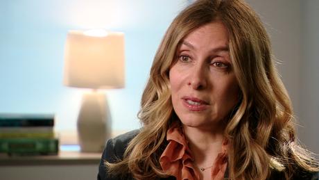 'Estão fazendo parecer que sou uma esposa conivente', diz Carole Ghosn, mulher do ex-presidente da Nissan