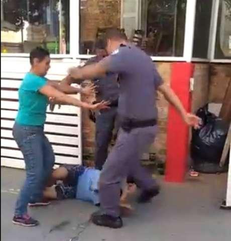 Catador foi agredido com chutes na cabeça