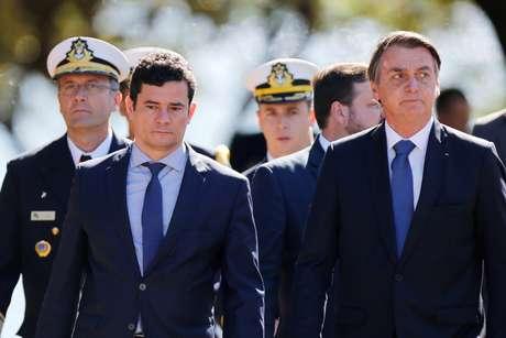 Moro e Bolsonaro participam de cerimônia de aniversário da Batalha do Riachuelo 11/06/2019 REUTERS/Adriano Machado