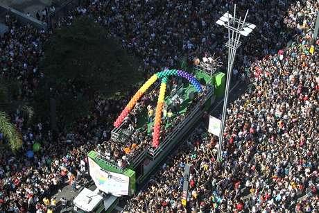 ARQUIVO - Movimentação na Avenida Paulista em São Paulo, durante a concentração da 21° Parada do Orgulho LGBT.