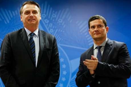 Presidente da República, Jair Bolsonaro, e o Ministro de Estado da Segurança Pública, Sérgio Moro, durante solenidade de assinatura da MP para Confisco de Bens de Traficantes.