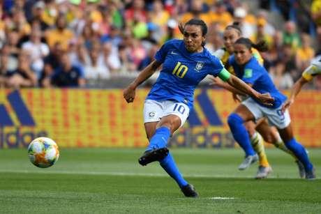 Marta marcou contra a Austrália (Foto: AFP)