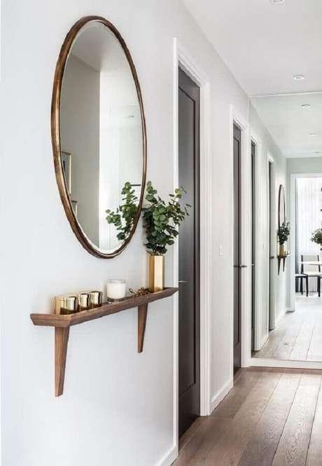 13. Em corredores utilize prateleiras de madeira mais estreitas – Foto: Haus Best