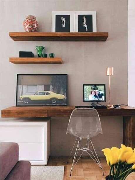 2. Saiba escolher a prateleira de madeira que combina com o estilo do seu ambiente – Foto: Soline Móveis