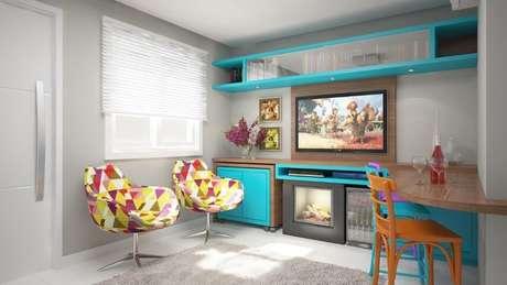 49. Painel para TV posicionadona sala colorida. Projeto de Deise Soares