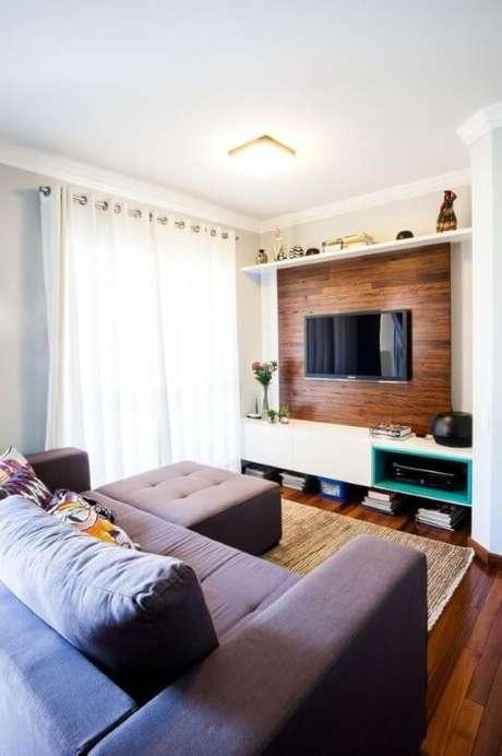 3. Painel para TV confeccionado em madeira com home integrado. Fonte: Pinterest