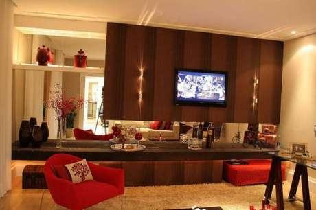 4. Tente harmonizar o painel para TV com o restante do ambiente. Fonte: Pinterest