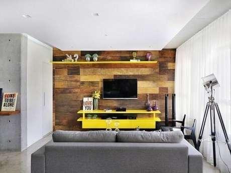 70. Painel para TV com design criativo. Fonte: Tua Casa