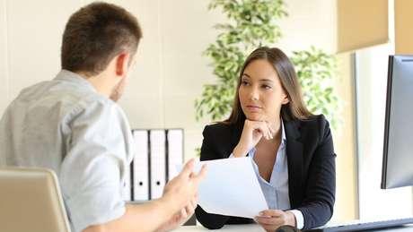 Ainda que seja importante ser honesto numa entrevista de emprego, pode não ser conveniente mencionar alguns episódios do passado