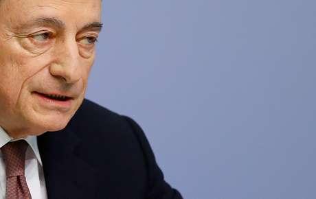 Mario Draghi, presidente do Banco Central Europeu (BCE) durante coletiva de imprensa em Frankfurt, na Alemanha 07/03/2019 REUTERS/Kai Pfaffenbach