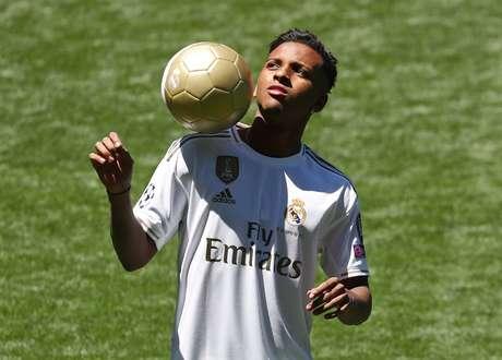 Real Madrid apresenta Rodrygo no estádio Santiago Bernabéu