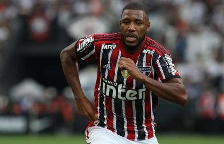 Jucilei pode encabeçar saídas no São Paulo durante a pausa para a Copa América (Foto: Rubens Chiri/saopaulofc.net)
