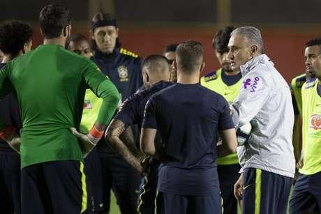 Tite e a Seleção Brasileira buscam manter os 100% de aproveitamento (Foto: Lucas Figueiredo/CBF)