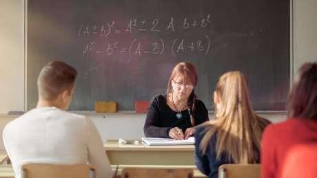 Professores brasileiros conseguem usar apenas 67% do tempo de sala de aula para o aprendizado