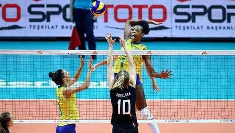 Brasil vence a Bélgica pela Liga das Nações