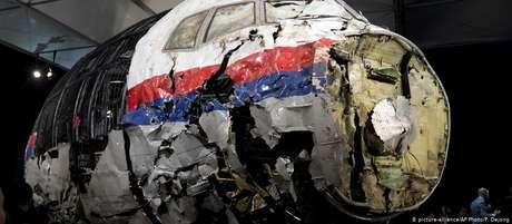 O voo MH17 foi abatido por um míssil superfície-ar em 17 de julho de 2014