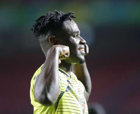Duvan Zapata, da Colômbia, comemora seu gol, primeiro da equipe marcado diante do Catar, durante partida válida pela segunda rodada do Grupo B da Copa América 2019, realizada no Estádio Cícero Pompeu de Toledo (Morumbi), na zona sul da capital paulista, nesta quarta- feira (19). A Colômbia venceu por 1 a 0.