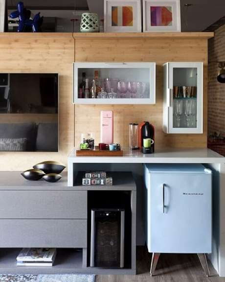 8. Aposte em uma mini geladeira na varanda. Fonte: Pinterest