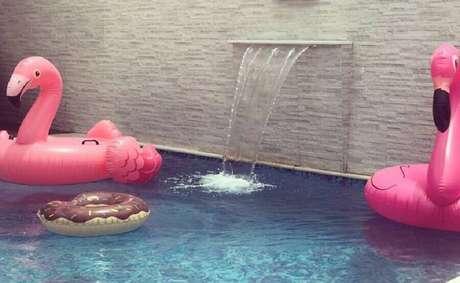 14. Invista em boias divertidas para a sua festa na piscina infantil – Foto: Mania de Decorar