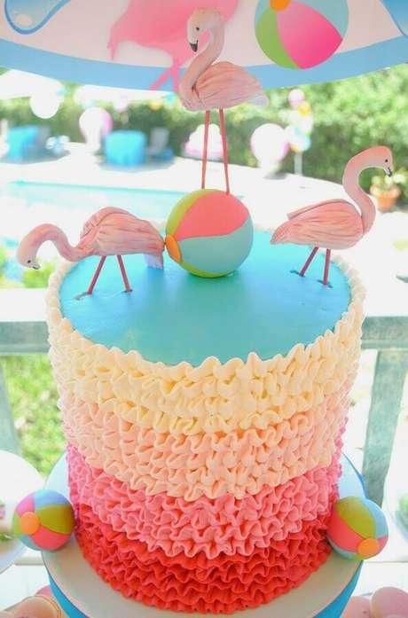 19. Lindo bolo decorado para festa na piscina – Foto: Lemon Jelly Cake