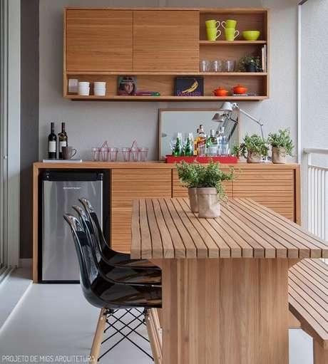27. Invista em cozinhas compactas em ambientes com cozinhas compactas. Fonte: Casa de Valentina