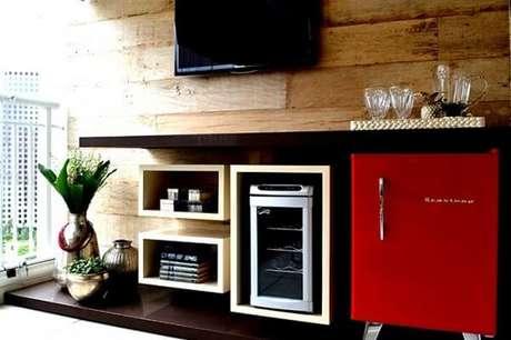 30. Mini geladeira complementa a decoração da varanda. Fonte: Blog WebContinental