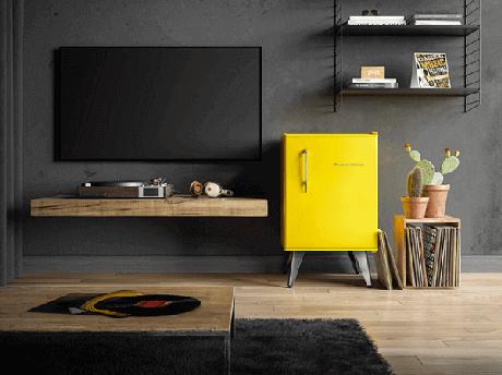 13. Mini geladeira em tons de amarelo. Fonte: Conexão Dcor