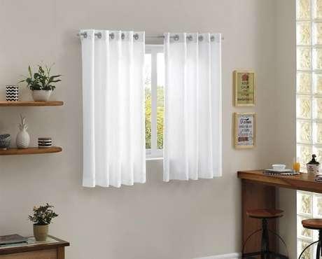 55. O tecido para cortina de cozinha deve ser mais curto do que os demais – Por: Pinterest