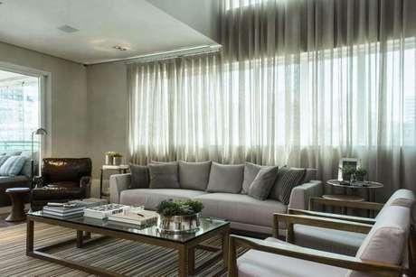 2. O tecido para cortina de voil deixa a luz entrar no ambiente com mais facilidade – Por: Triplex Arqui