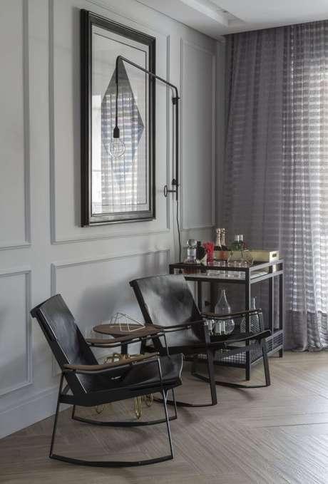 11. Tecido para cortina combinando com a decoração da sala de estar – Por: Barbara Dunes