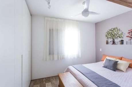 10. Tecido para cortina de suíte com casal – Por: Arq Design