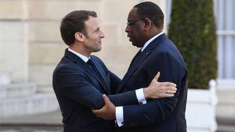 O presidente do Senegal é próximo do ministro Le Drian e eles se tratam pelo pronome informal 'tu'. Na foto, ele aparece em visita ao presidente Emmanuel Macron, em 2018