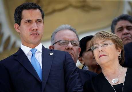 Michelle Bachelet e Juan Guaidó deixam Assembleia Nacional da Venezuela 21/06/2019 REUTERS/Manaure Quintero