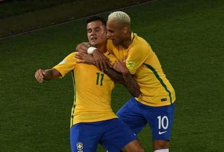 Coutinho e Neymar são destaques no mercado (Foto: Vanderlei Almeida / AFP)