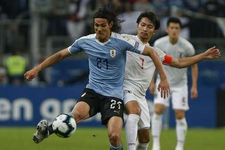 Cavani sofreu um pênalti no empate entre Uruguai e Japão (Foto: AFP)