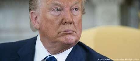 Trump aponta que democratas podem estar por trás das acusações