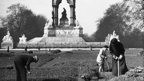 Parques reais de Londres foram loteados para permitir que população cultivasse alimentos durante a 1ª e 2ª Guerras Mundiais