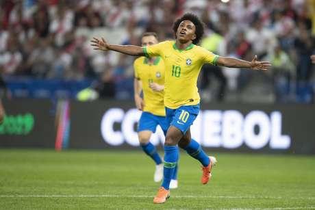Willian marcou o quinto e último gol do Brasil na vitória, por 5 a 0, no Peru (Foto: Lucas Figueiredo/CBF)