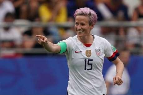 Rapinoe marcou os dois gols da classificação dos Estados Unidos nesta segunda-feira (AFP)