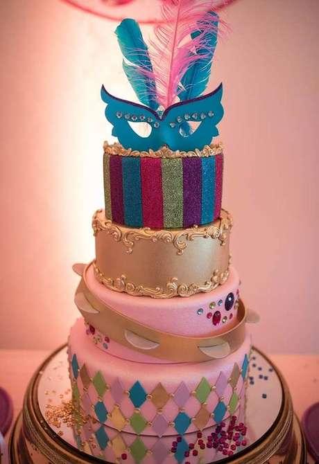 12. Capriche na escolha do seu bolo para festa à fantasia. Ele tem que ser incrível! – Por: a minha festinha