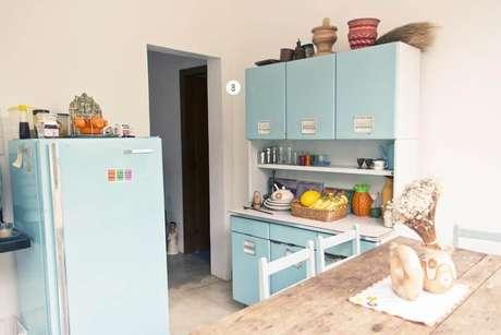 54. Cozinha compacta com elementos retrô. Projeto de Casa Aberta