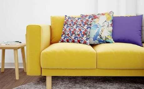 1. Saiba deixar o seu lar mais alegre utilizando almofadas coloridas – Foto: Almofadas Legais