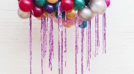 57. Use balões para fazer sua decoração festa à fantasia ser incrível! – Por: Pinterest