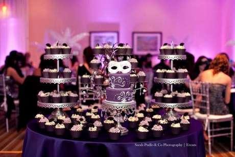 58. Festa de 15 anos com o tema baile de máscaras, uma linda festa a fantasia -Por: Sarah Pudlo Co