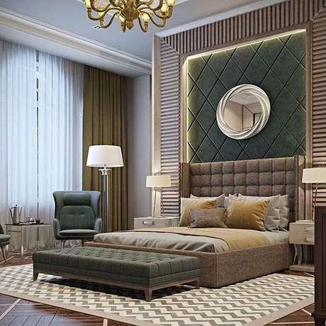 26. Decoração de quarto de casal com tons de verde na decoração – Por: VD
