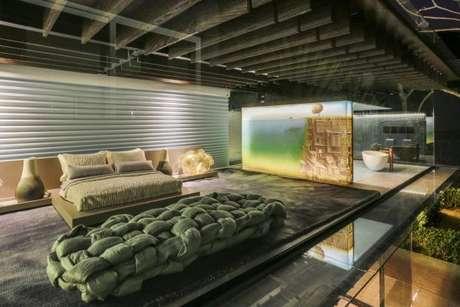 31. Aposte na decoração de quarto de casal com tons de verde para deixar ainda mais elegante – Por: Brunete Fraccaroli