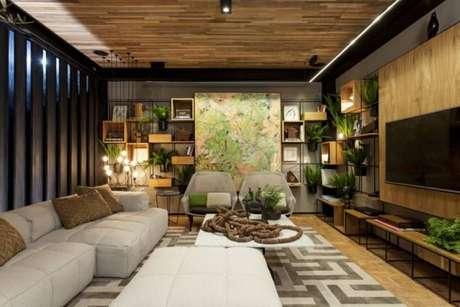 58. Decoração de sala de estar com TV em tons de verde – Por: Casa cor